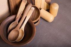 Samenstelling van Keuken die houten werktuigen koken Ruimte voor tekst Hoogste mening Stock Afbeeldingen