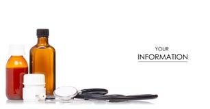 Samenstellingsreeks van van geneeskundeflessen en pillen stethoscooppatroon royalty-vrije stock fotografie