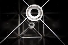 Samenvatting gelast metaalbeeldhouwwerk met lijnen en cirkels stock afbeeldingen
