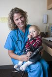 samica medyczny profesjonalista dziecko Fotografia Royalty Free