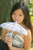 samice azjatykci young parasolkę Fotografia Stock