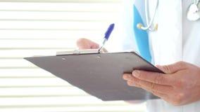Samiec doktorskiego writing medyczna recepta lub świadectwo zbiory wideo
