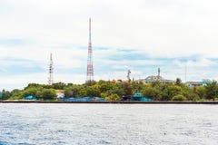 SAMIEC MALDIVES, LISTOPAD, -, 27, 2016: Widok telewizyjny wierza Odbitkowa przestrzeń dla teksta Fotografia Royalty Free