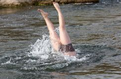 Samiec nogi spod wody Fotografia Royalty Free