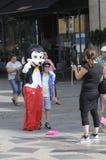SAMIEC suknie JAKO MICKY mysz DLA MAŁEJ gotówki Obrazy Royalty Free