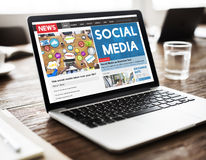 Samkväm Media Communication som knyter kontakt online-begrepp Arkivfoto