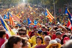 Samla fordrande självständighet för Catalonia Royaltyfria Bilder