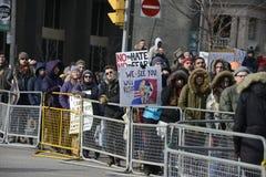 Samla mot muslimskt förbud för Donald Trump ` s i Toronto arkivbilder