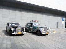 Samla Peking till Paris 2013, Kharkov, parkering, bilar 89,69 Royaltyfria Foton