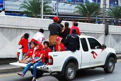 samla thai röda skjortor Royaltyfri Bild