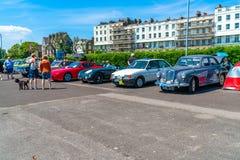 Samlar den klassiska bilen för för den Ramsgate hinken och spaden Arkivfoto