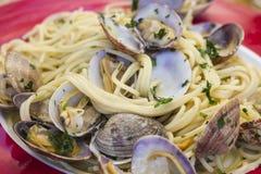samlar musslor spagetti Royaltyfri Bild