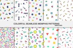 Samling av abstrakta memphis färgrika modeller - sömlösa provkartor Arkivbild