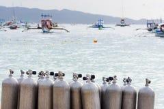 Samling av behållare för luft för dykapparatdykning Arkivbilder