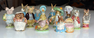 Samling av collectible Beswick Beatrix Potter Figurines fotografering för bildbyråer
