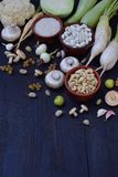 Samling av den nya vita frukter, grönsaker och bönan sund begreppsmat Vegetarisk produkt Organisk rå jordbruksprodukter Royaltyfria Bilder
