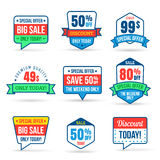 Samling av den Sale rabatten i plan design Bruk för etiketter, klistermärkear, etiketter och symboler vektor illustrationer