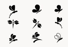 samling 6 av den svarta fjärils- och sländavektorn vektor illustrationer