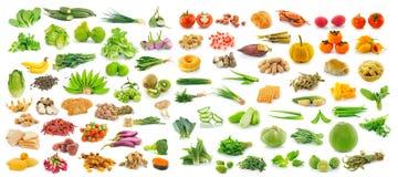 Samling av frukt och grönsaker på vit bakgrund Royaltyfria Bilder