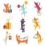 Samling av gullig hundkapplöpning i partihattar, djura tecken för rolig tecknad film som har gyckel på illustrationen för vektor  royaltyfri illustrationer