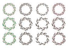 Samling av julkransar Ramar för utdragen vektor för hand runda för inbjudningar, vykort och mer vektor illustrationer