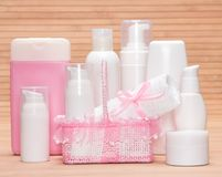 Samling av kosmetiska produkter för skincare Arkivbild