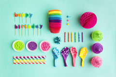 Samling av objekt för födelsedagparti arkivfoto