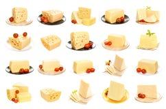 Samling av ost som isoleras på vit bakgrund Uppsättning av olika ostar arkivbilder