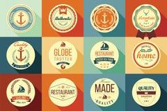 Samling av retro etiketter, emblem, stämplar och band för tappning Arkivfoton
