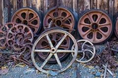 Samling av runda metallhjul & gummihjul Arkivfoton