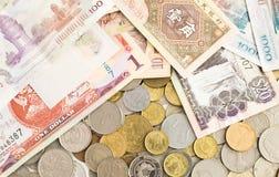 Samling av sedlar från hela världen arkivfoton