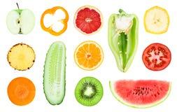 Samling av skivor för ny frukt och grönsak royaltyfri fotografi