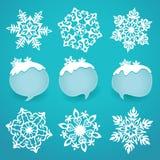 Samling av snöflingor och vinteretiketter med utrymme för text Royaltyfria Bilder