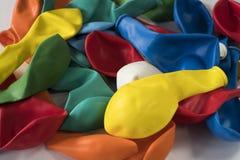 Samling av uppblåsbara plana ballonger arkivbild