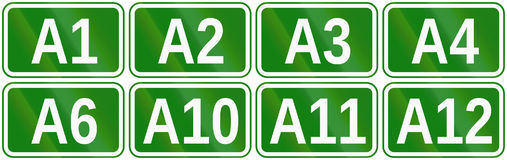 Samling av vägmarkörer för motorways i Rumänien Arkivfoton
