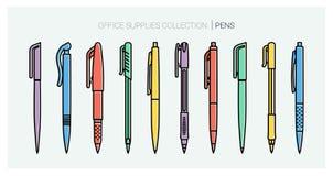 Samling för kontorstillförsel Inställda pennor anteckningsbokpennan tools writing Översiktsstil Tunn linje vektorsymboler för kul Arkivbilder