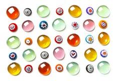 Samlingen av färgrikt exponeringsglas pryder med pärlor Kulört Venetian, Murano exponeringsglas, millefiori Arkivfoton
