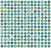 Samlingen av 225 sommar och ferie klottrade symboler Arkivbild
