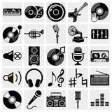 Svart musiksymboler för vektor som är fastställda på grå färg Arkivbild