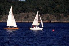 Samll två seglar fartyg Royaltyfri Fotografi