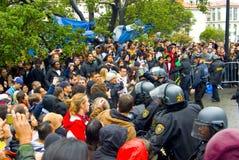 sammandrabbningpolisdeltagare Fotografering för Bildbyråer