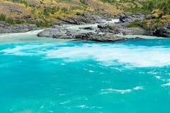 Sammanflöde av bagarefloden och den Neff floden, Chile royaltyfri foto