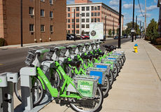 Sammanlänkning Dayton Bike Share royaltyfri bild
