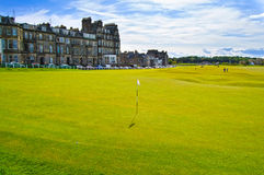 Sammanlänkningar för golfSt Andrews gamla kurs Brohål 18 scotland Arkivfoton