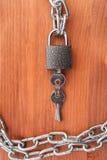 Sammanlänkningar och lås för metall chain Fotografering för Bildbyråer