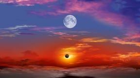 Sammanlagd sol- förmörkelse Arkivfoton