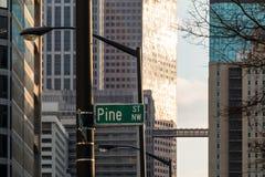 Sammansättning av fasader av skyskrapor, i stadens centrum Atlanta, USA Arkivbild