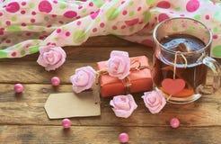 Sammansättning för dag för valentin` s, koppte, retro tonad bild Arkivfoto