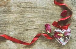 Sammansättning för dag för valentin` s, retro tonad effekt Arkivfoto