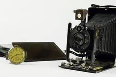 Sammansättning med den retro kameran Royaltyfri Fotografi